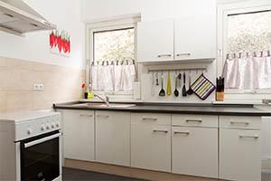 unterkunft zimmer ulm. Black Bedroom Furniture Sets. Home Design Ideas